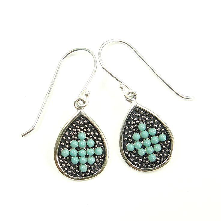 Kolczyki srebrne z koralikami - https://www.bizutik.pl/kolczyki-srebrne-z-koralikami-2466
