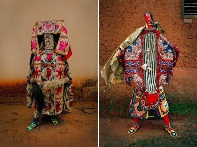 Les Vêtements traditionnels du Vaudou au Bénin - Chambre237