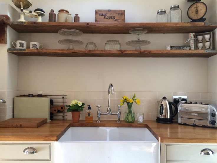 Roses and Rolltops : Makeover - Scaffold Board Shelves