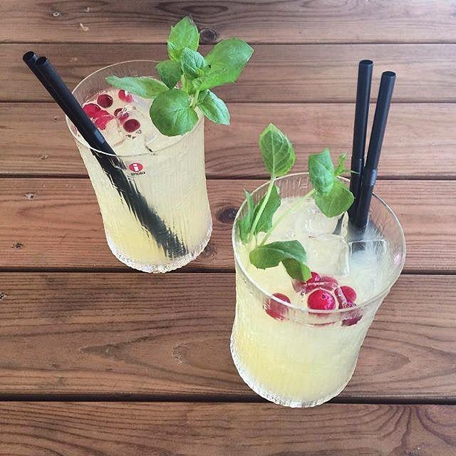 Start the weekend with a special cocktail. This delicious drink is available all summer at Hernesaaren Ranta in Helsinki. @hernesaarenranta #iittala #wirkkaladrink #ultimathule #tapiowirkkala