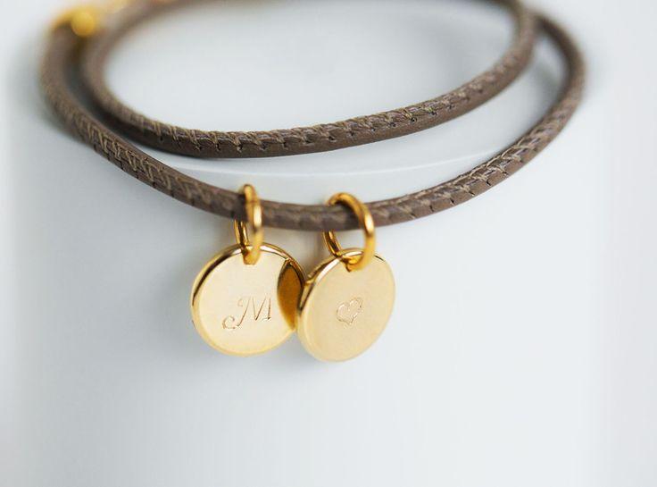 Namensarmbänder - Armband | GRAVUR INITIALEN | 10 Farben - ein Designerstück von Wishes-of-hearts bei DaWanda