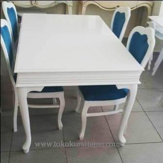Set Kursi Makan Minimalis Putih SMK-006 ini berdesain simple minimalis dengan finishing cat duco putih yang banyak diminati msayarakat.