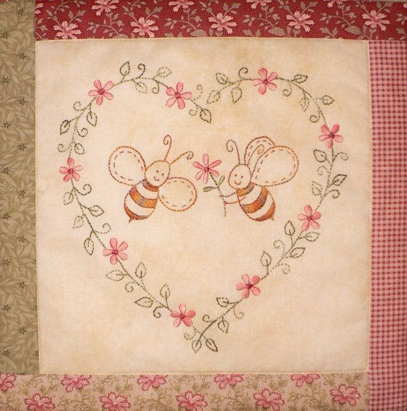 The Honeydrippers stitchery small quilt pattern por Teddlywinks