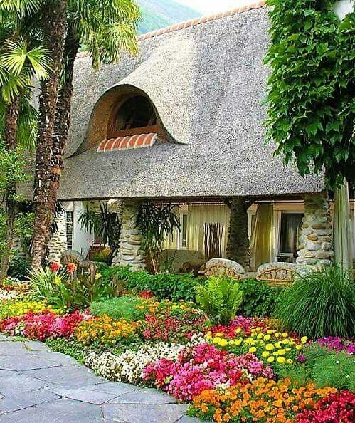 968 best images about Front Yard Gardens on Pinterest ... on Cottage Yard Ideas id=71493
