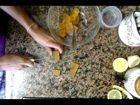 Manualidades: cómo hacer jabones de frutas caseros - Cómo hacer jabón casero - YouTube