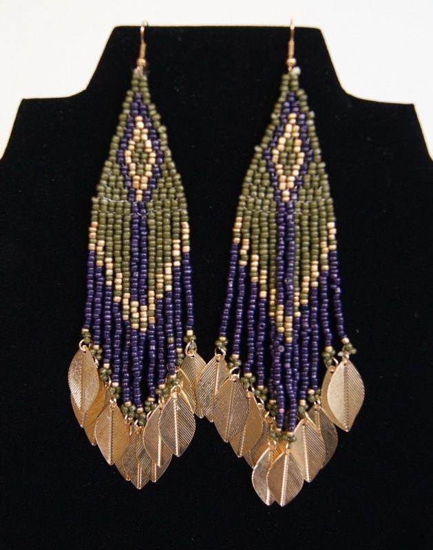 Tribal fusion Indianen oorbellen OLIJF GROEN,  ZWART GOUD met blaadjes - O17  - Tribal Fusion Native American Indian Earrings with OLIVE GREEN and BLACK beads and GOLDEN leaves