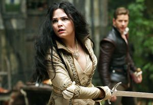 Once Upon a Time Promo Mistake: Does Snow White Have a Magic Crotch? #OUATWonderland