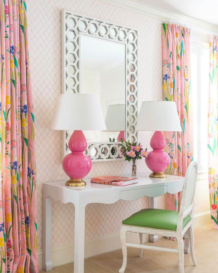 Happy Monday! This fun and flirty dressing table makes every morning a delight #pinkandgreen #mondays #floral #interiordesign #megbraffdesigns #thedecoratedhome