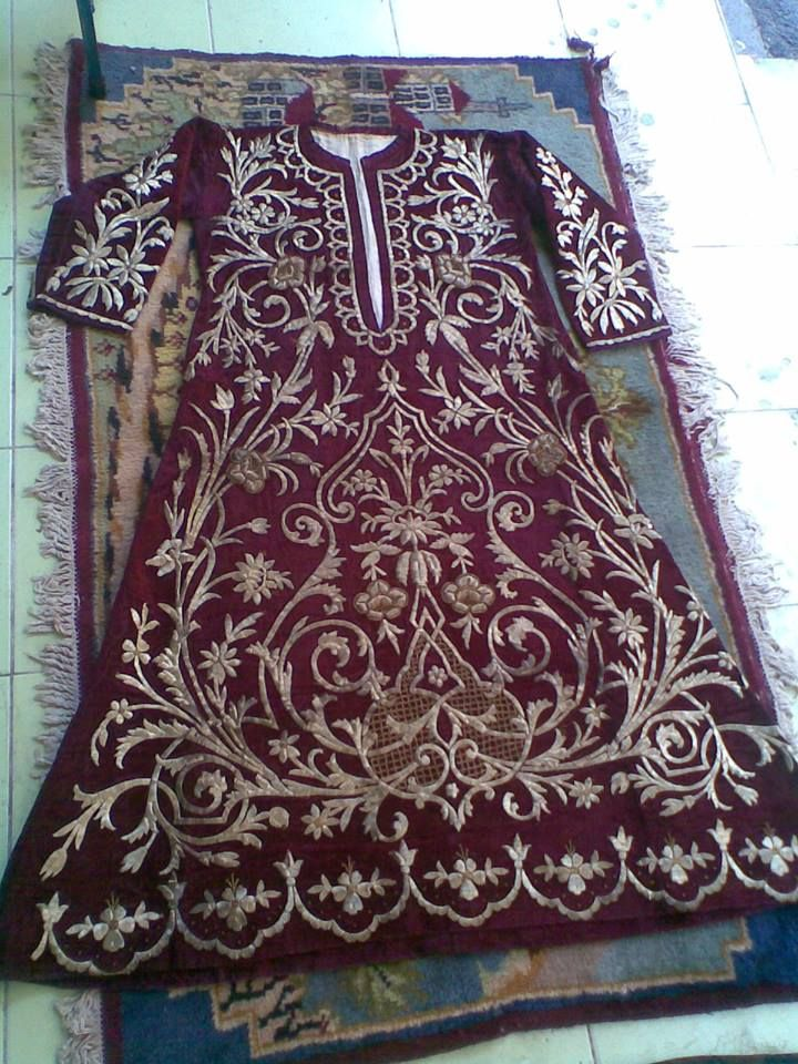 Late-Ottoman embroidered robe (bindallı entari).  Urban, late 19th century.