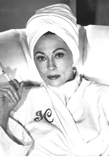 Sorry Faye, I have never looked at you the same way since you were Mommie Dearest.