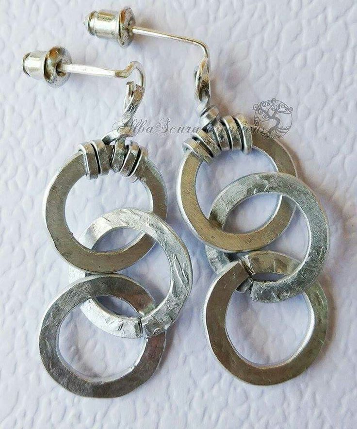 Wire earrings by AlbaScura creations