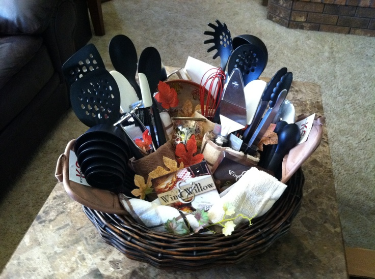 kitchen gift basket great for a bridal shower - Kitchen Gift Basket Ideas