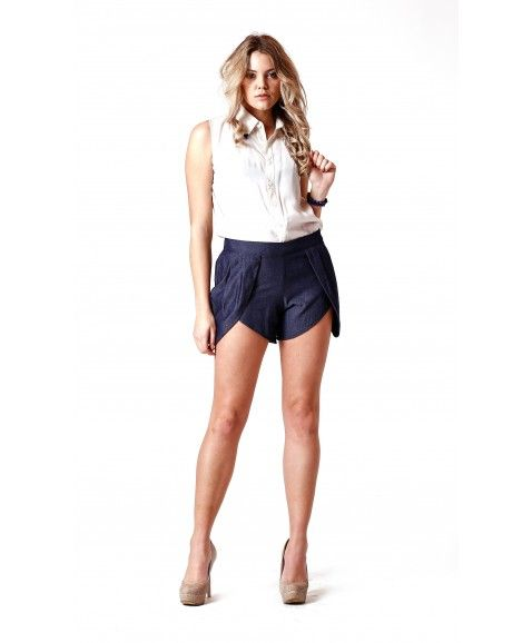 JONTE' TULIP SHORTS - BLUE    ·     Designed in Perth, Western Australia  ·     Made from 100% cotton   ·     Featuring tulip peatals on sides of shorts  ·     Femine realxed design with a cheeky cut fit.  ·     Model wears size 8
