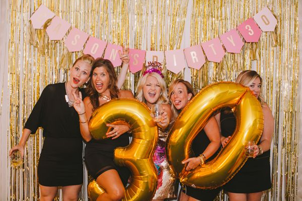 30th birthday party photo booth | dirty thirty birthday party | lifestyle blog | gold and pink photo booth | girls getaway | miami | photo booth ideas | 30th birthday party ideas | girls night decorations | 30th birthday party supplies | 30th birthday party decorations
