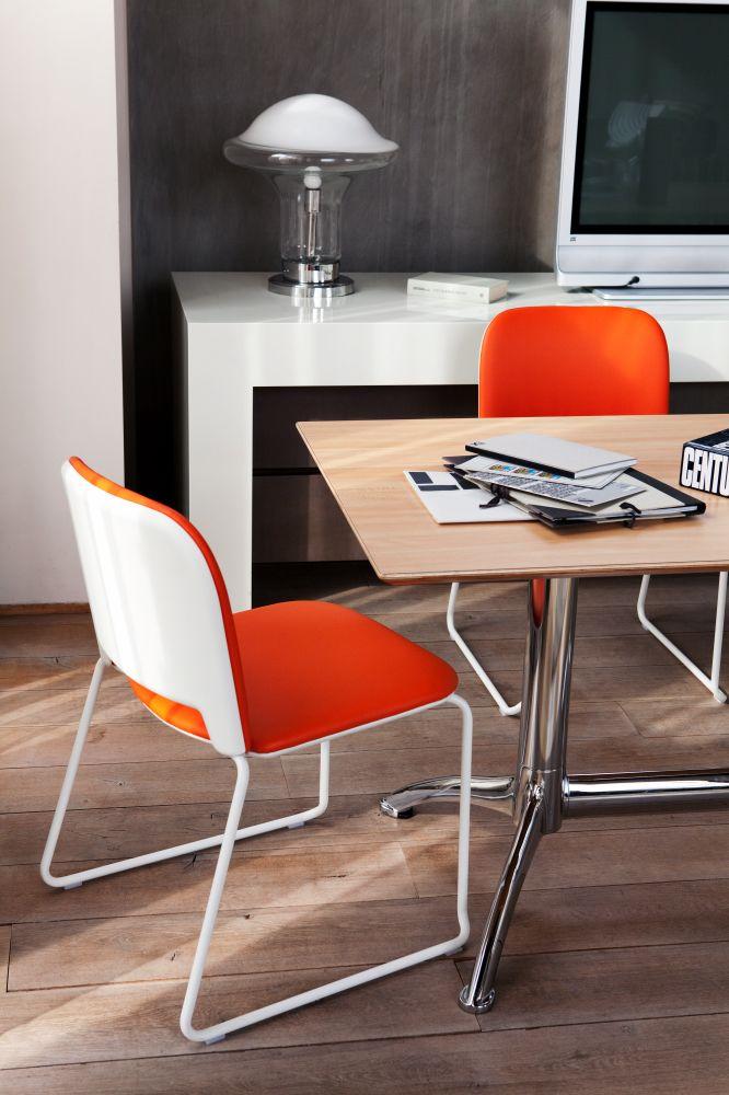 Lips chairs and K2 table (Bartoli Design)