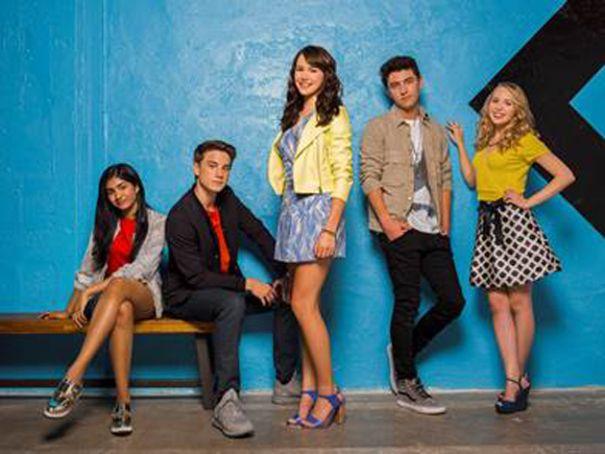 Nickelodeon Greenlights Star Falls Buddy Comedy Series Renews I Am Frankie For Season 2 Frankie Nickelodeon Best Friends Whenever