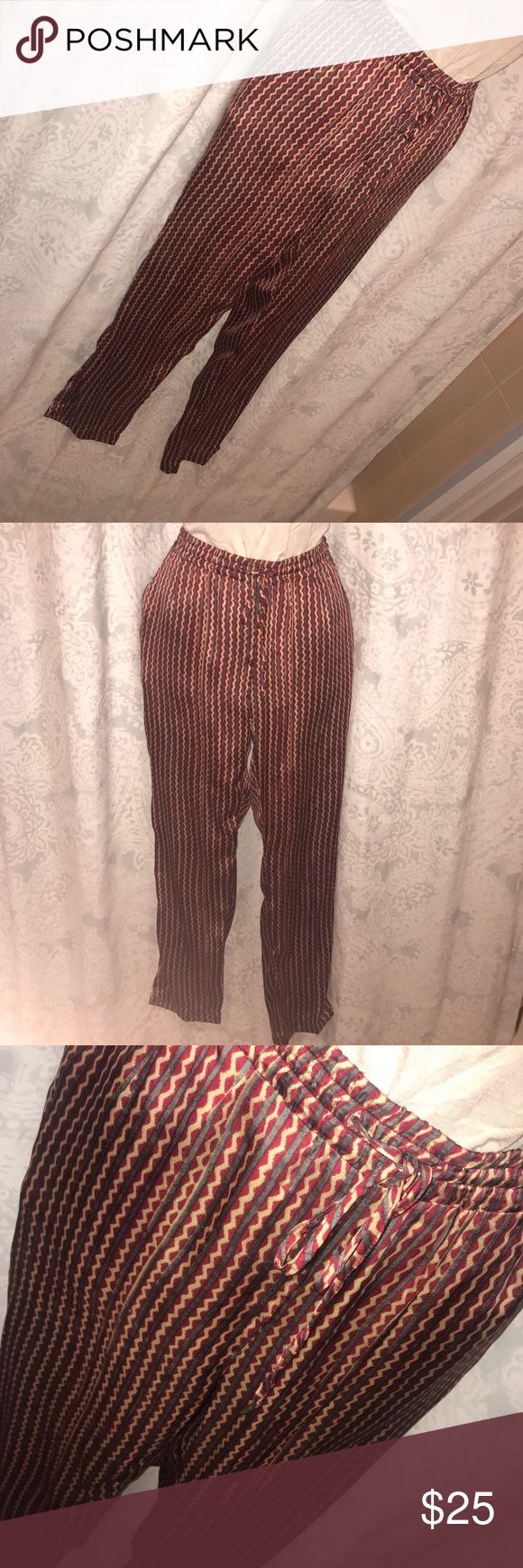 Lauren by Ralph Lauren patterned soft pants Comfy and funky pants with cool pattern. Easily mix up your look with these relaxed fit pants. Lauren Ralph Lauren Pants Track Pants & Joggers