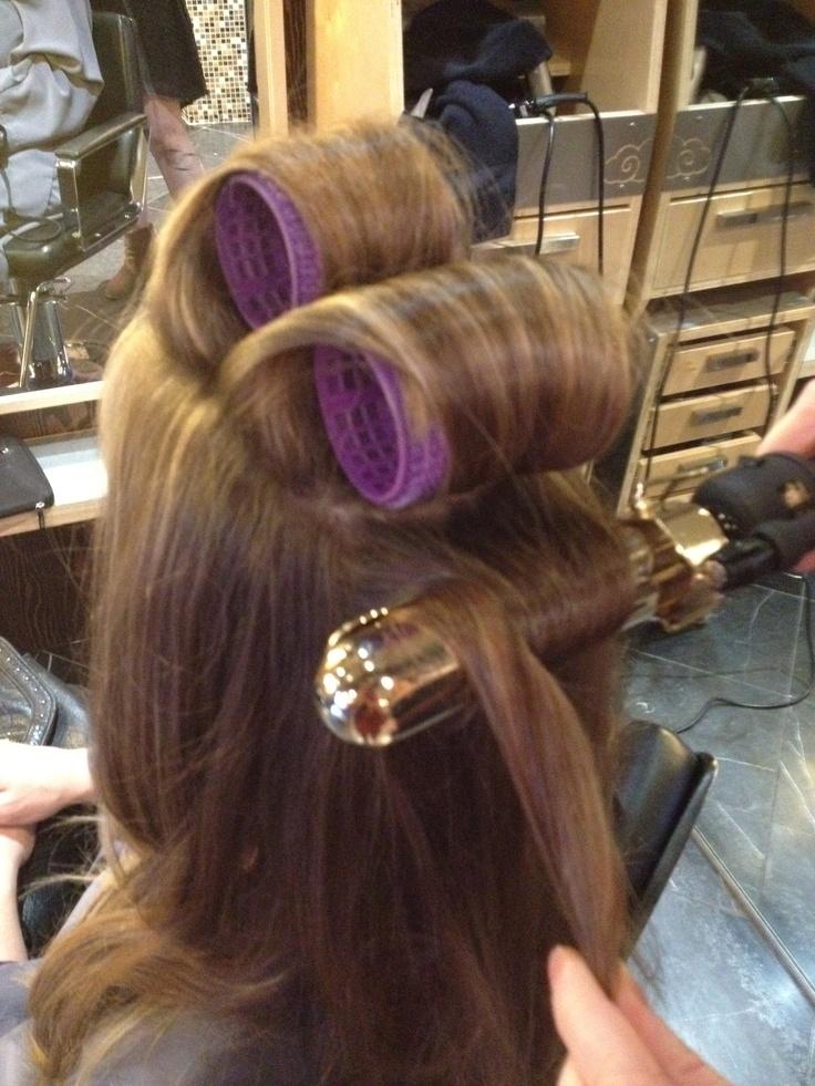 Astounding 25 Best Ideas About Big Barrel Curls On Pinterest Barrel Roll Hairstyles For Women Draintrainus