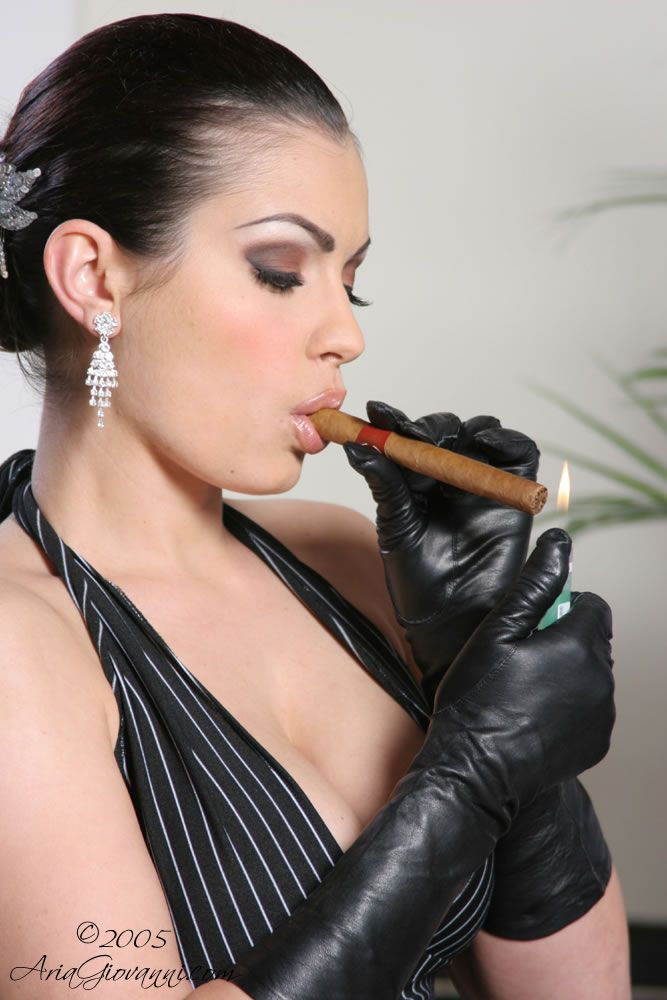 Nicole scherzinger pictures before boob job
