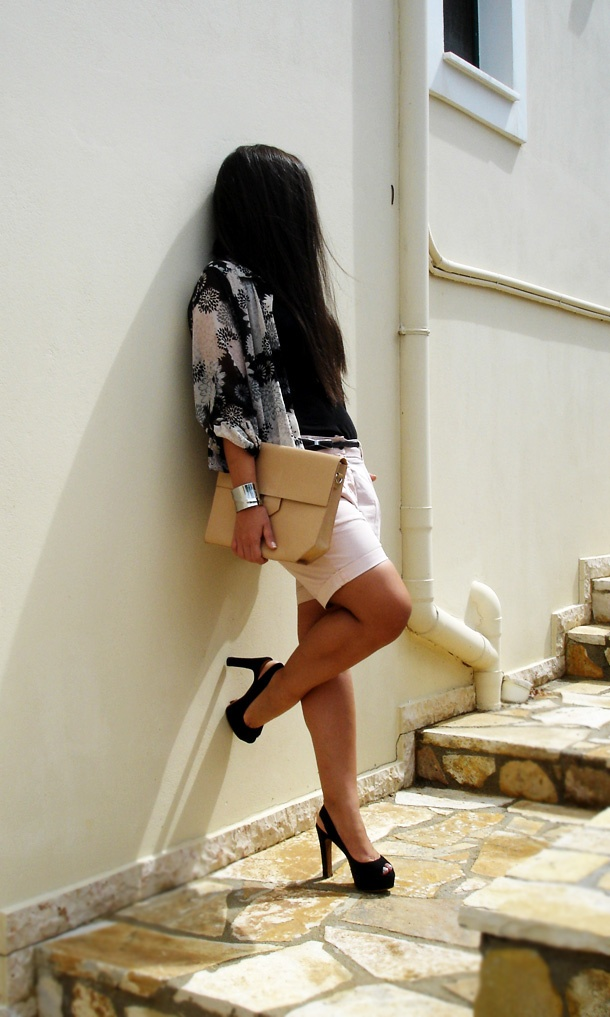 floral HnM shirt with the ultimate ZARA bag!