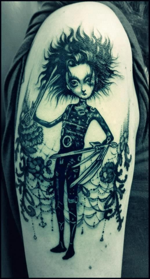 Gorgeous Edward Scissorhands tattoo.