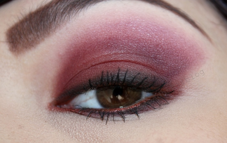 Beauty's Bad Habit: FOTD - Red Eyeshadow? Yes Please!