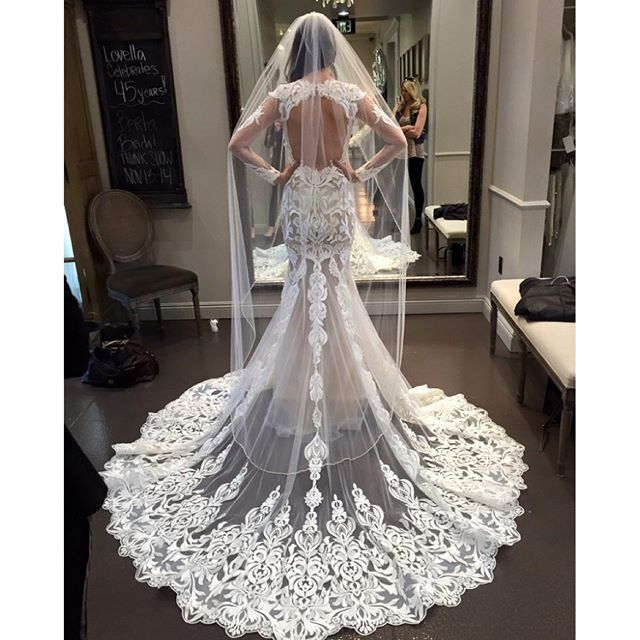 Ahhh big no no!! Her veil stops midway at the dress, mine goes past, flowing over all the beautiful lace detail ❤️ I can't wait to wear it!!!! September can't come fast enough