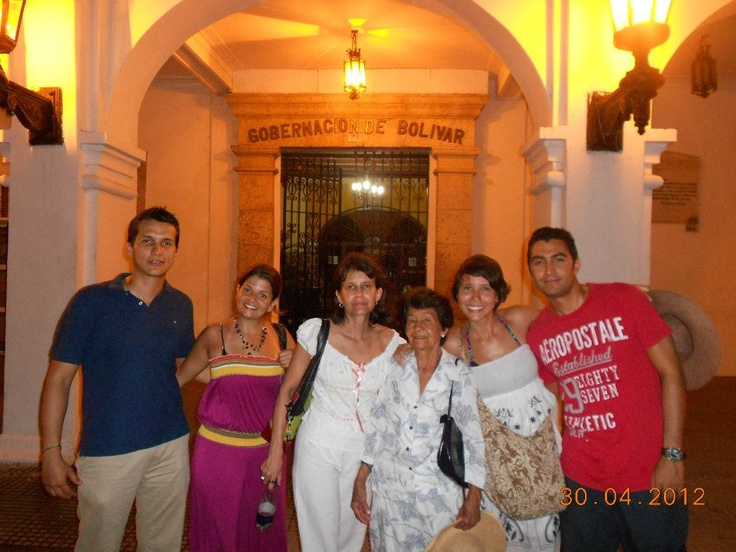With the Gaviria family (Cali Colombia) @ La Gobernación.