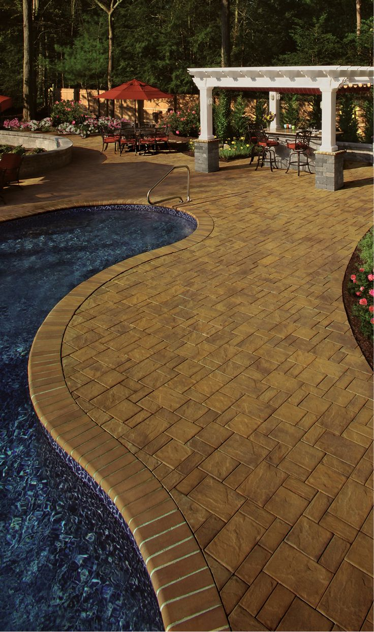 Cambridge pavingstones wall systems color options - Beautiful Pool Deck With Outdoor Kitchen By Cambridge Pavingstones