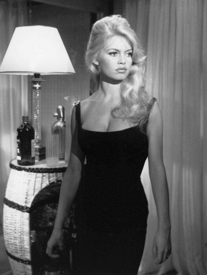 Retour sur les plus belles coiffures de Brigitte Bardot | Brigitte ...