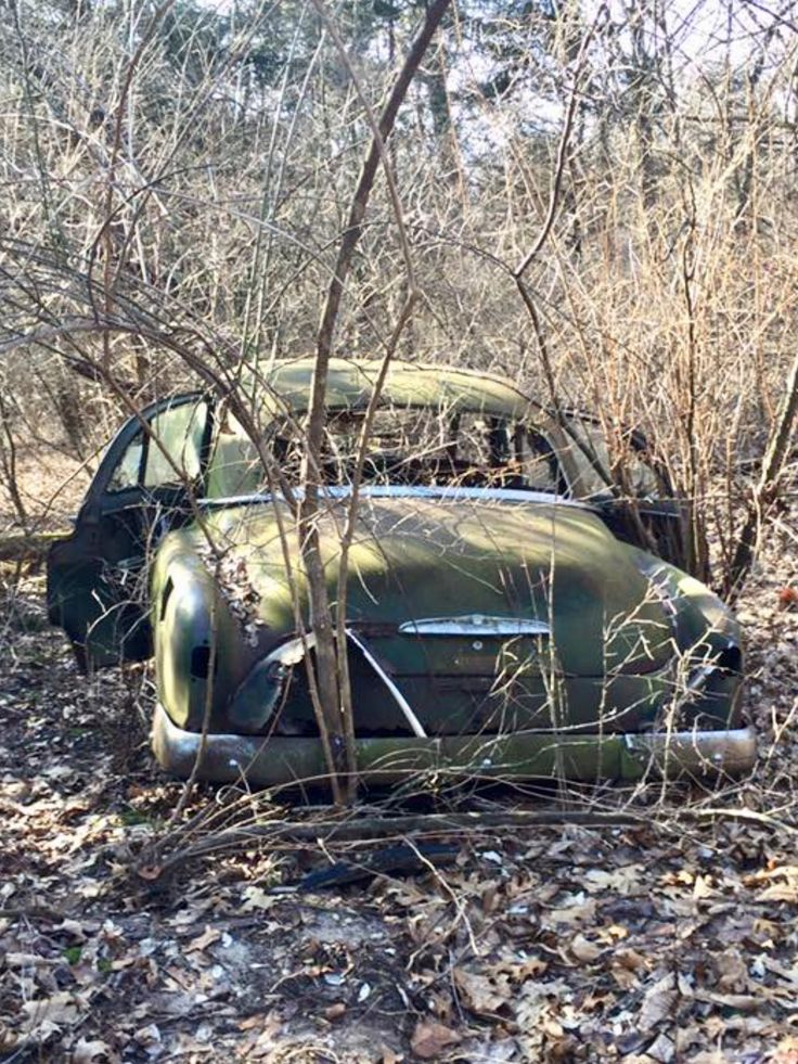 Abandoned and forgotten in the cargraveyard. Source Facebook.com