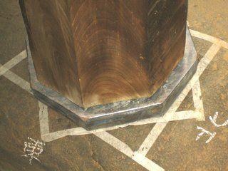 4>IMG_3991  :: 羽黒神社 柱根継ぎ 木 及び鉛 での作業完了   2009 10 17