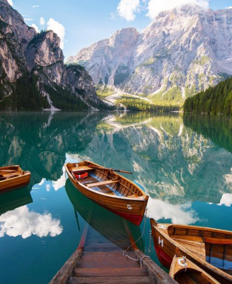 Describe this #beauty in one word! #Beautiful #Lake #Italy