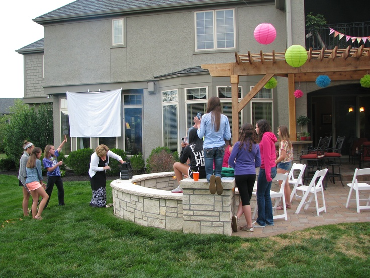 Outdoor Movie Party! Attach A Stage Backdrop To Your House With Command(TM)