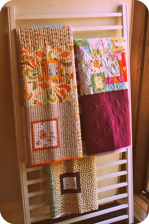 Repurposed crib slats as quilt rack :) My plan for Lilly's old drop side crib…