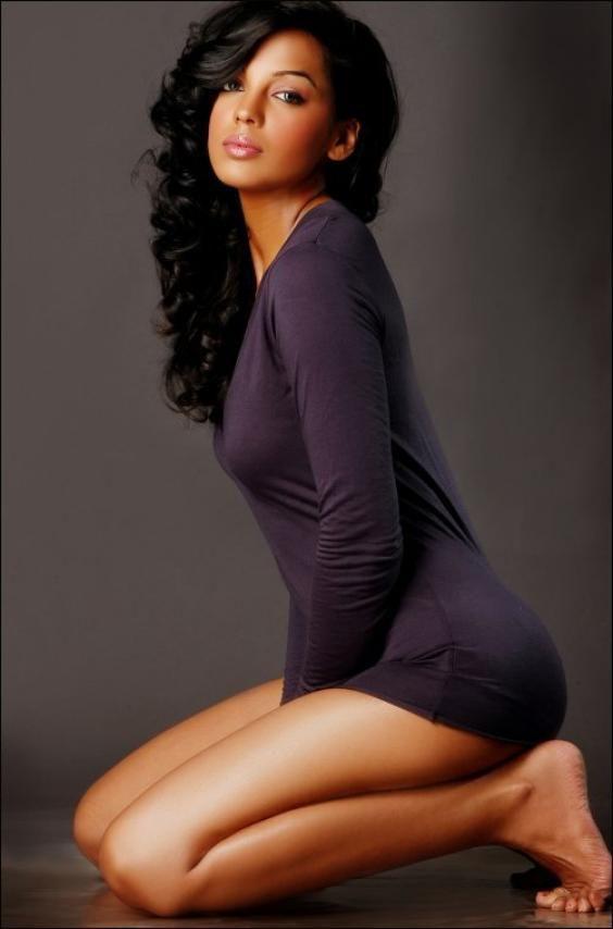 Actress Mugdha Godse Hot Photoshoot Stills, Bollywood Actress Mugdha Godse Pictures, Mugdha Godse Wallpapers 2015, Indian Model and Actress Mugdha Godse latest photos, actress Mugdha Godse new movie spicy stills.