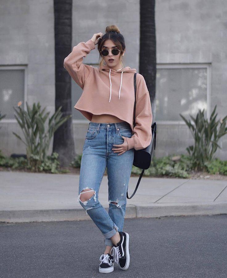 Diese süße Outfit-Kombination ist sowohl süß als auch schön.