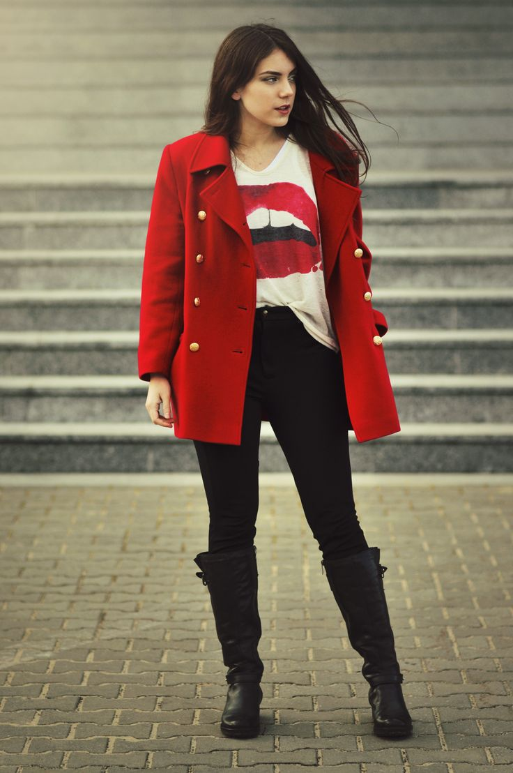 Red coat, blouse with red lips and black pants. Spring outfit from VANILLAMADNESS.com