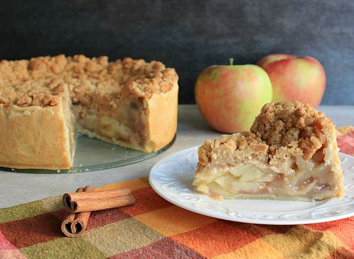 Deep Dish Apple Pie With Streusel Topping