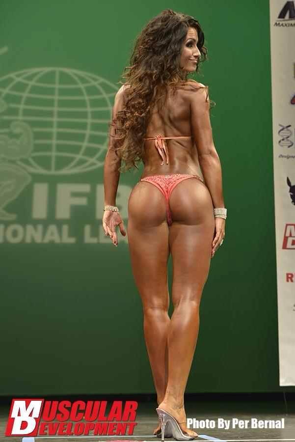 Female Form #StrongIsBeautiful #Inspiration #WorkYourBackSide nikola weiterova http://www.MegaFitness.com