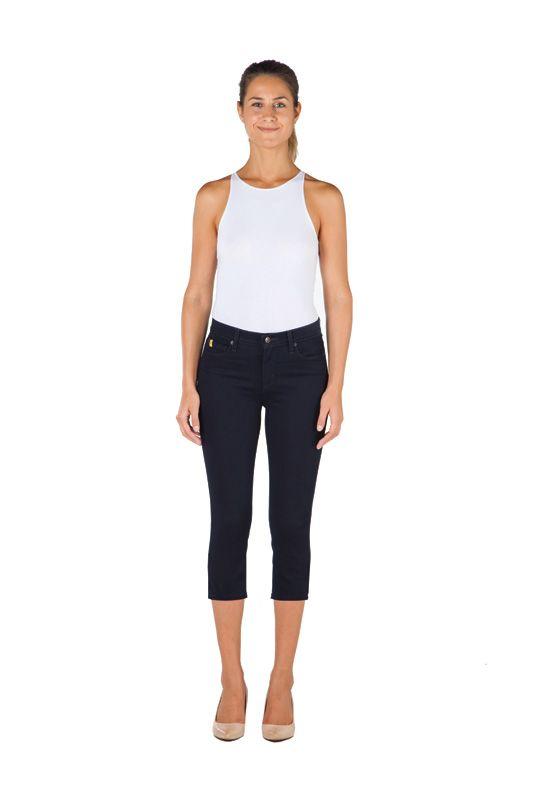 Shape Crop Yoga Jeans @ Lousje & Bean