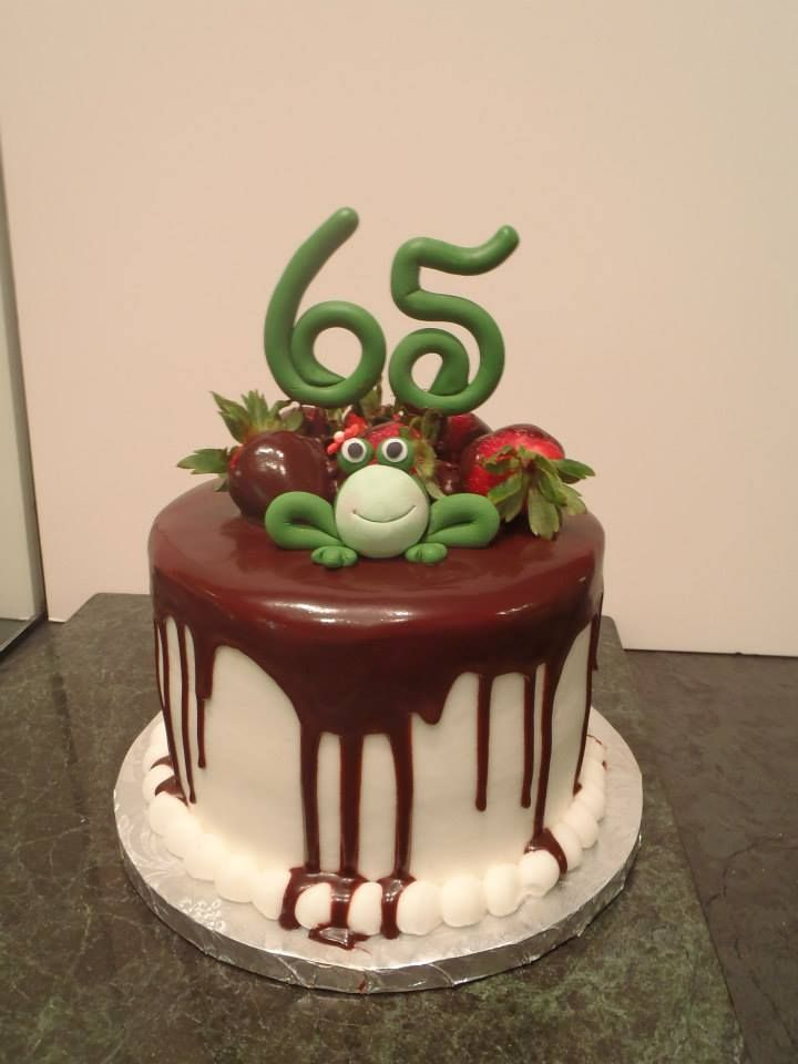Frog; birthday cake