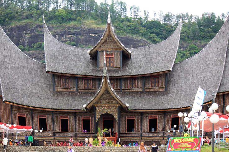 Wonderful Indonesia - Istano Basa Pagaruyung: Ikon Sumatera Barat