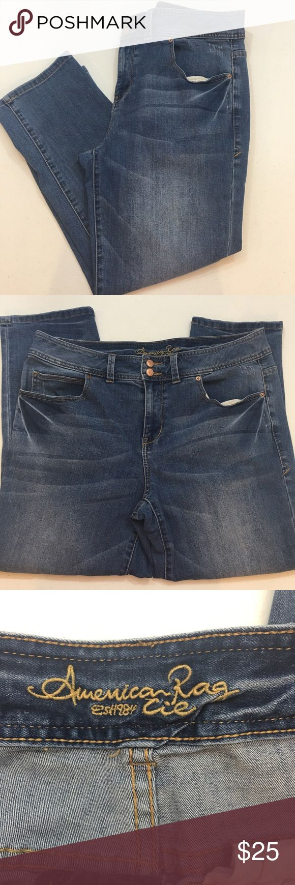 """American rag denim cropped jeans size 14w American rag denim cropped jeans size 14w. Measurements laying flat waist 17.5"""" inseam 26.5 rise 10.5 American Rag Jeans Ankle & Cropped"""