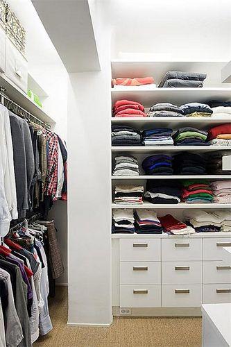 https://flic.kr/p/82ixDw | Walk-in-closet med plats för massa kläder | Både lådor och hyllor är ju helt perfekt!