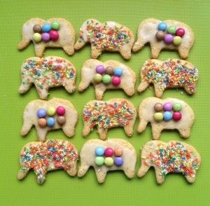 Elmer biscuits from Story Snug. Bake some shortbread biscuits, cover them with a thin layer of icing then add coloured sprinkles or make a patchwork pattern using Smarties.