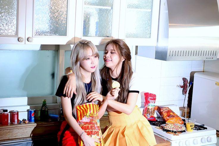 Moonsun - ahhh they both look so pretty here