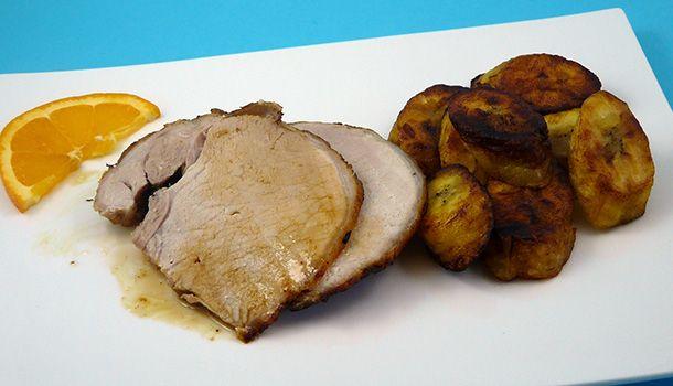 Le rôti de porc mojo est emblématique de la cuisine cubaine. La marinade confère un goût délicat, fruité et super parfumé à cette pièce de porc.