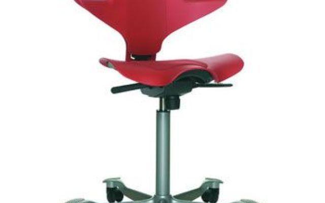 Design: la sedia da ufficio Capisco Puls #hag #capisco #scrivania #arredamento
