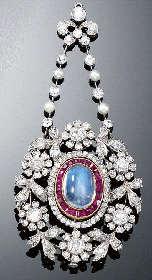 MOONSTONE, RUBY, PEARL AND DIAMOND BROOCH/PENDANT, CIRCA 1900.